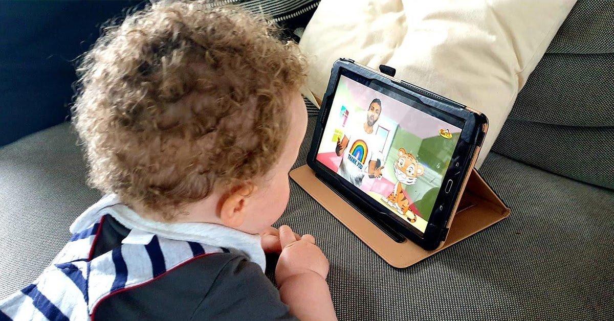 kids watching tiger and tim